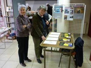 Bernadette MALGORN à la Foire aux Livres du groupe brestois d'Amnesty International